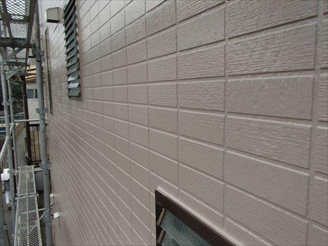 表面が剥離してたいへんだった外壁も見事に修復されました。