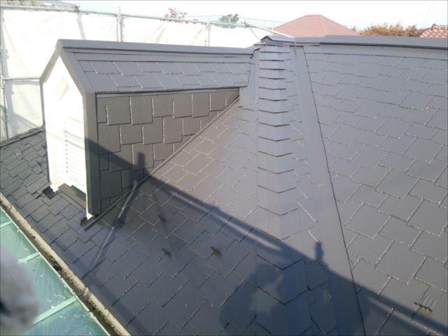 下塗りは透明なシーラーを使用します。