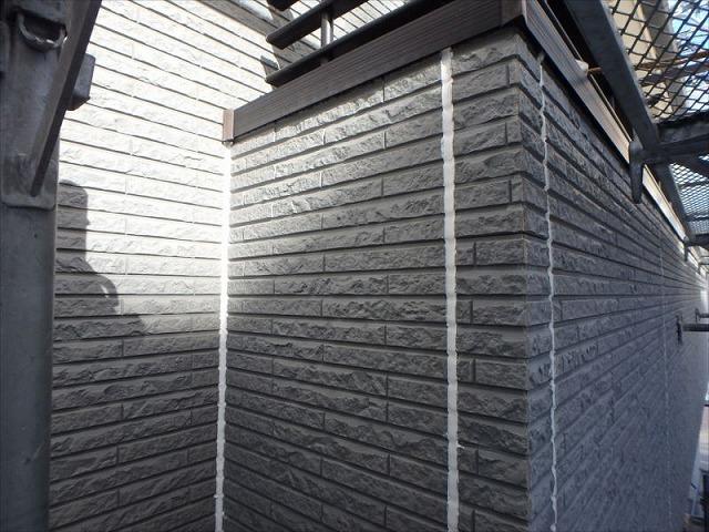 外壁塗装S様邸外壁ビフォー(バルコニー)