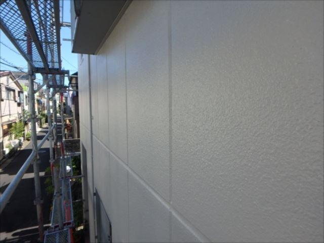 外壁は「水性セラタイトSi」で塗装。美しい光沢となりました。