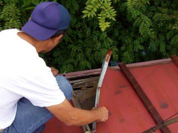 外壁塗装と板金・雨どい工事との密接な関係