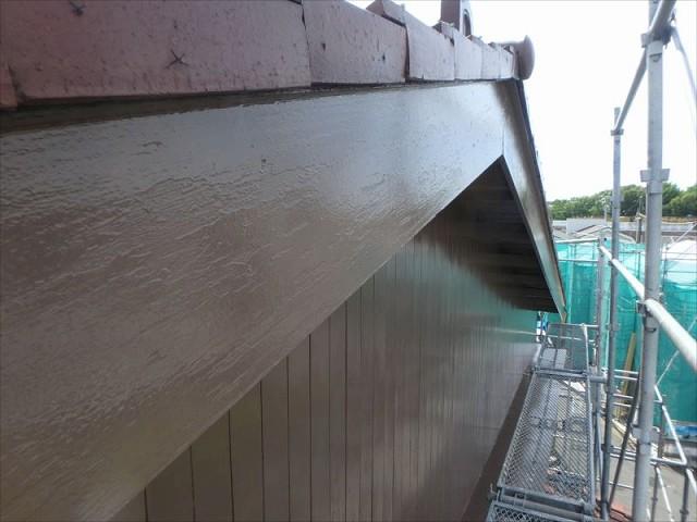木の破風板塗装後