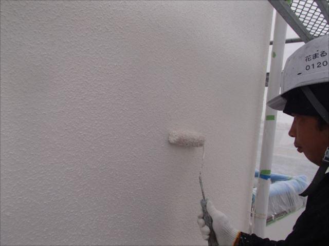 モルタル外壁の上塗り。