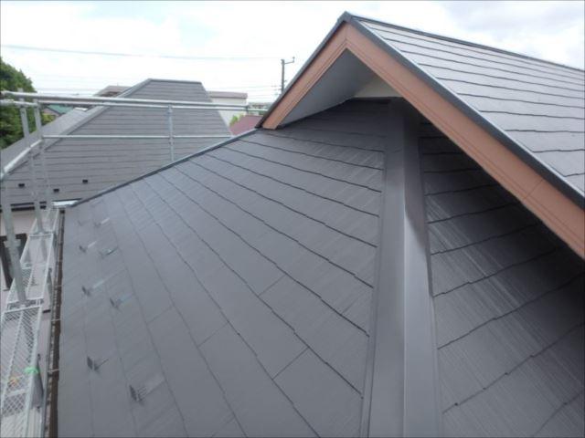コケだらけだった屋根は見違えるようにきれいになりました。