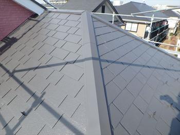 屋根は遮熱塗料を使用しました。