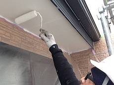 軒裏は油性塗料ケンエース・白で塗装。