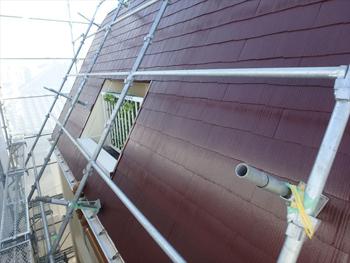 外壁の色に合わせてチョコレート色に変えた屋根。大正解でした。