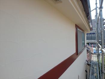 外壁に使用した塗料は「アートフレッシュ」です。艶消し特有のふんわり感のある仕上がりです。
