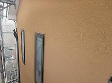施工前の外壁です。年数なりの汚れが目立ちます。