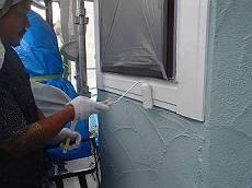 窓枠装飾板は白の調色で塗装します。