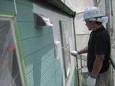 養生後、マイルドSDサーフエポで下塗りを開始。