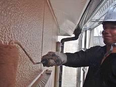 2階部分の外壁は3回塗りで塗装を行います。