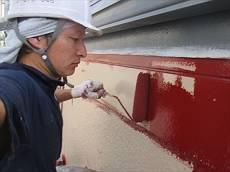 下塗り後、中塗り・上塗りを施します。