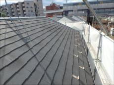 屋根の塗膜はほとんど剥がれていました