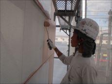 外壁塗装中塗り (パーフェクトトップ)