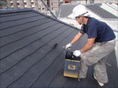 屋根塗装中塗り (クールタイトSi)