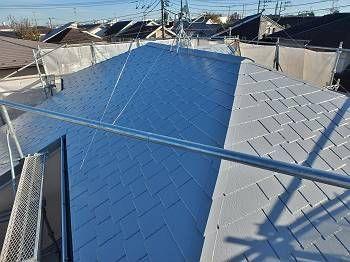 施工後の屋根です。 遮熱塗料のグレー色で塗装しました。