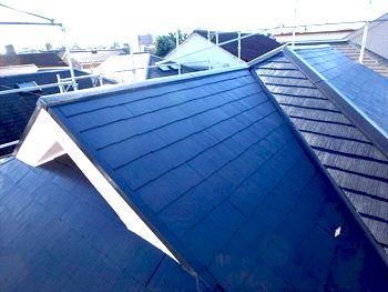 施工が完了しました。あんなに傷んでいた屋根とは思えないくらい美しくなりました。