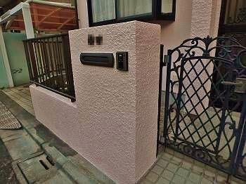 こちらの門塀も見違えるほど綺麗になりました。