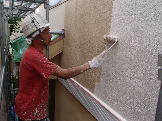 外壁塗装には艶消し塗料の「アートフレッシュ」を使用しました。
