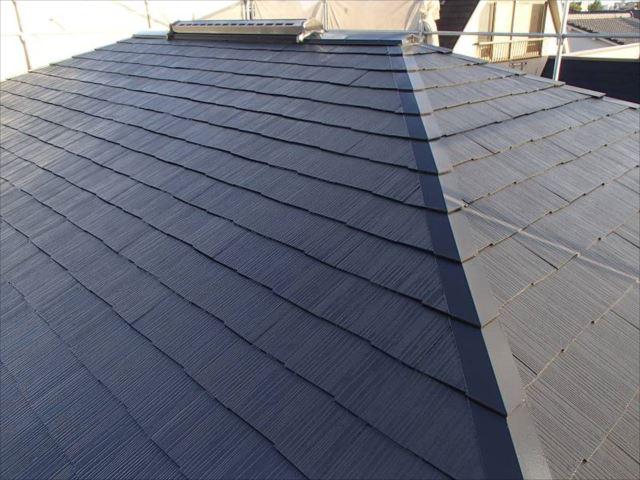 施工後の屋根です。「セピアブラウン」という色で塗装していました。