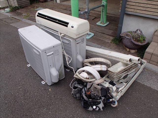 お施主様のご要望で不要なエアコンを撤去しました。