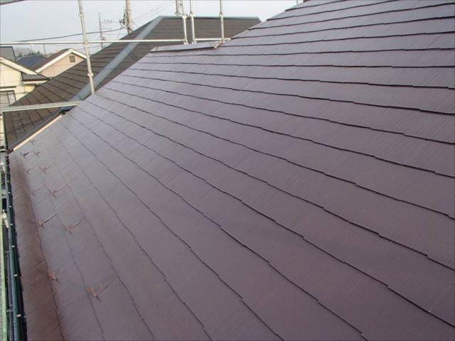 屋根の色は大変お悩みになられていました。職人もその熱に押されるかのように気合が入り、仕上がりにも納得いただけました。