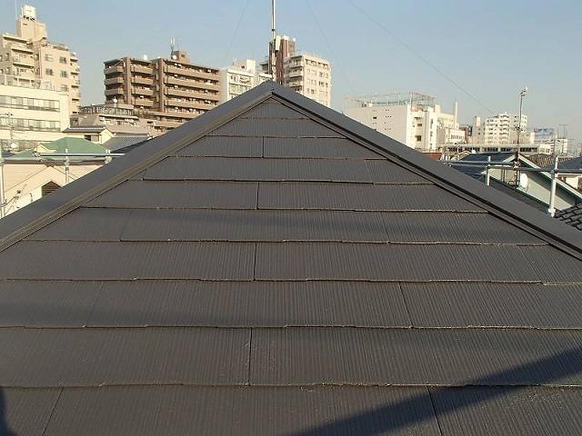 黒系の遮熱塗料で塗った屋根