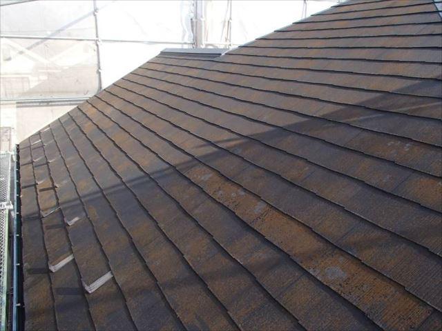 この屋根の色を決めるため、初めての夫婦喧嘩が勃発したそうです。