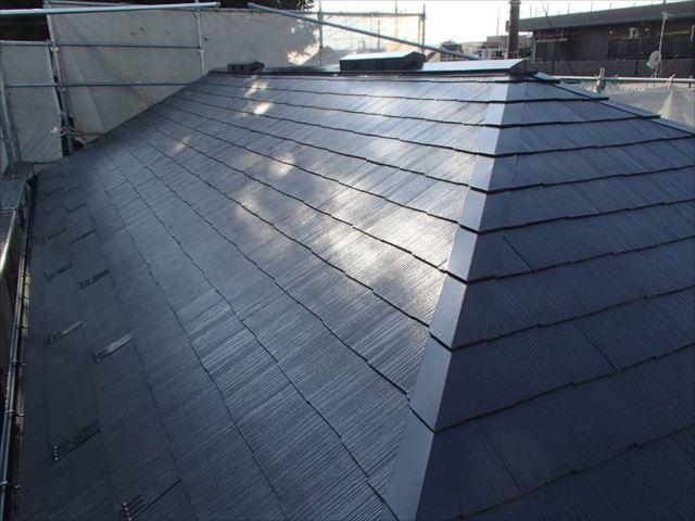 施工後の屋根です。遮熱塗料「クールタイト」を使用しました。