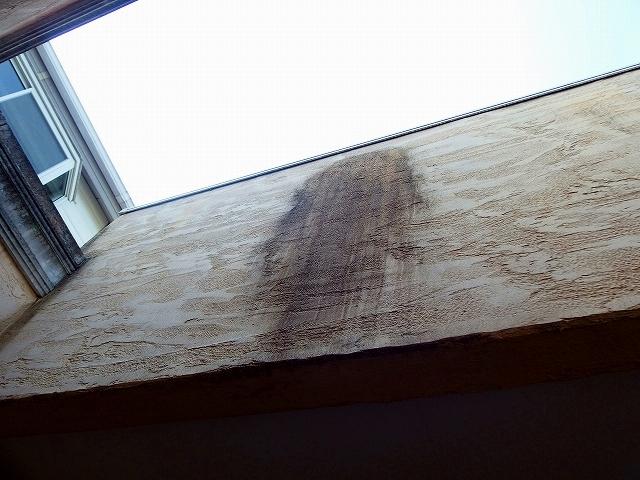 モノプラル外壁の汚れ