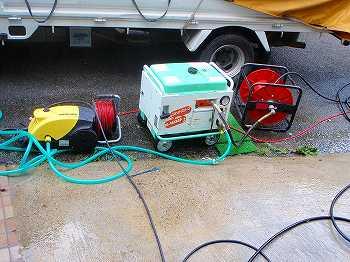 電気式の高圧洗浄機とエンジン式の高圧洗浄機高圧洗浄