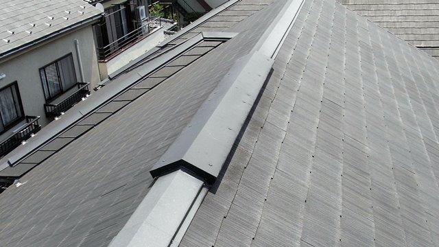 屋根の棟裏換気装置