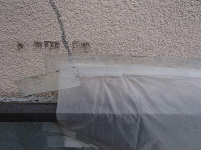 お施主様が貼られたビニール。これを貼ってからは雨漏りがかなり軽減されたとのことでした。
