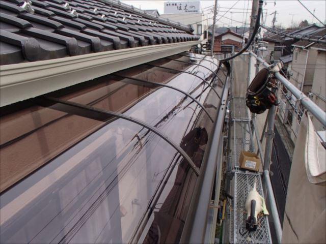 LIXIL ライザーテラスⅡ R型 1.5間×3棟。屋根はポリカーボネート製です。
