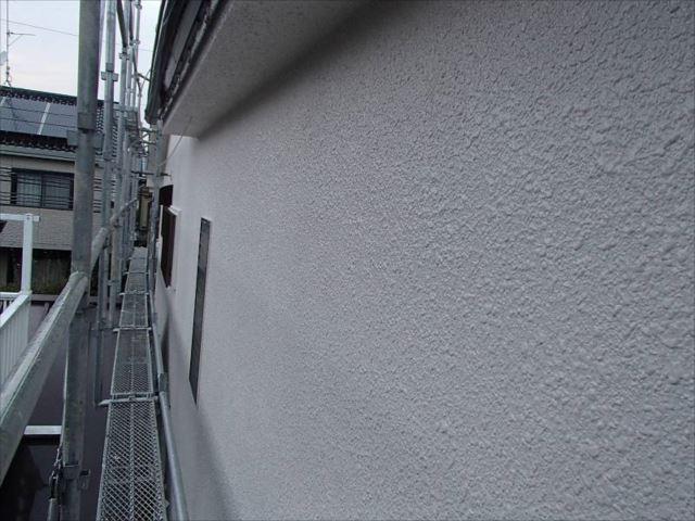 外壁は真っ白に生まれ変わりました。