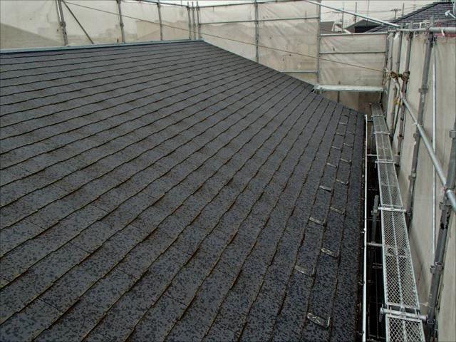施工前の屋根です。年数なりの汚れは有りますが、特に問題は有りません。