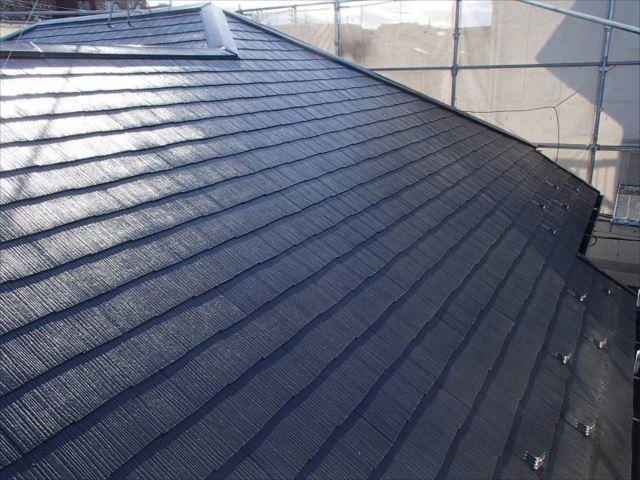 屋根は遮熱塗料で塗りました。暑い夏になるのが楽しみです。