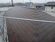 屋根は特に問題ありませんが一緒に塗替えを行います。