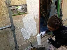 塀も外壁同様塗装します。