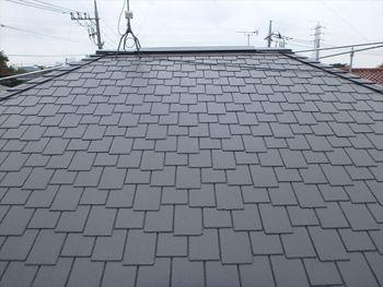 大量のコケに覆われていた屋根もこの通り美しい仕上がりになりました。