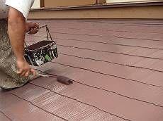 下塗りの後、中塗り・上塗りには油性塗料を使用しました。