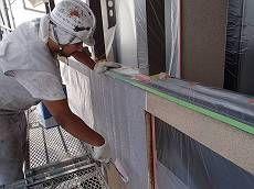洗浄後、水性ミラクシーラーエコで下塗り。