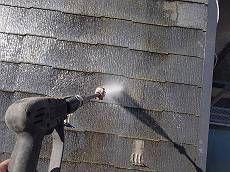 屋根も同様に洗浄します。