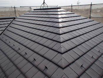 施工後の屋根の様子です。遮熱塗料の艶がいい感じです。