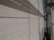 サイディング外壁の目地シールは劣化が目立ちます。