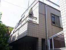 施工前のN様邸です。屋上のバルコニーがうらやましい素敵なお家でした。
