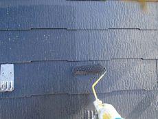 中塗り・上塗りには遮熱塗料を使用しています。