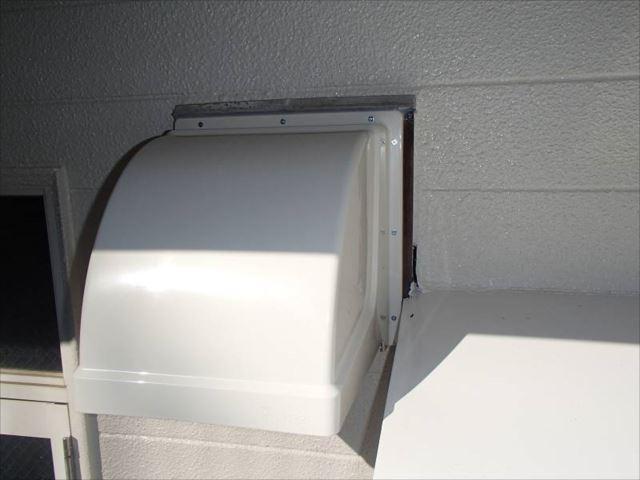 換気扇フードカバーは新品に交換しました。