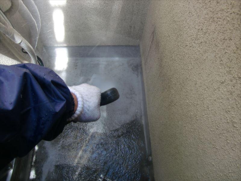 防水層洗浄中